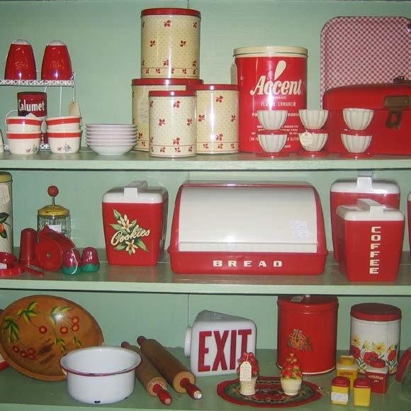 Antiques Colony Retro Kitchen Items
